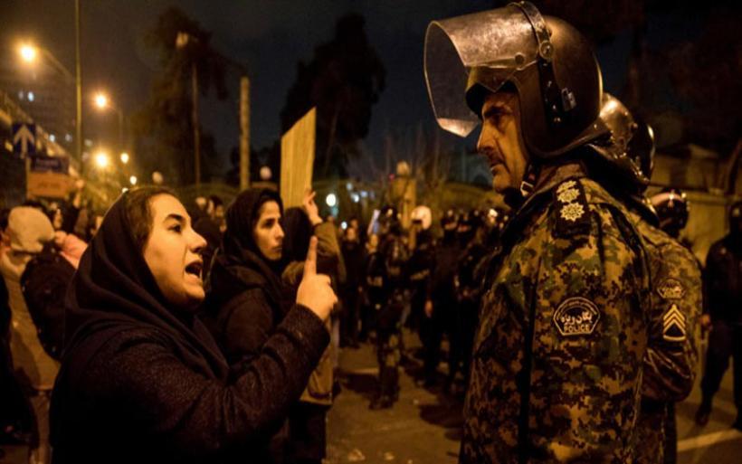 Αναταράξεις στο Ιράν: Τρίζουν οι καρέκλες των μουλάδων – Πόσο εύθραυστο είναι το καθεστώς;