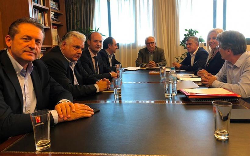 Συνάντηση του Υπ. Παιδείας Κ. Γαβρόγλου  με τον Περιφερειάρχη Θεσσαλίας και Αντιπεριφερειάρχες