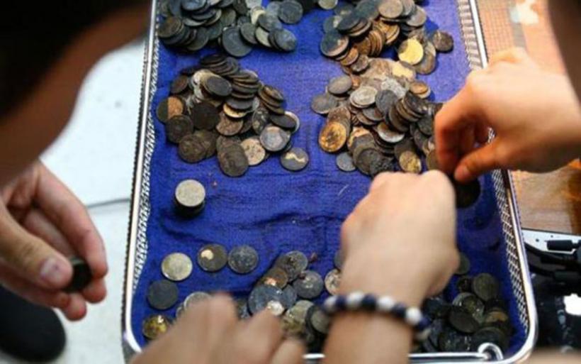 Ταϊλάνδη: 915 νομίσματα αφαίρεσαν από το στομάχι μιας χελώνας