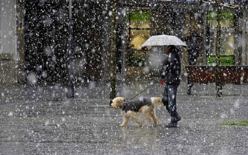 Καιρός: Κύμα χιονιά προβλέπουν οι μετεωρολόγοι – Πού θα το «στρώσει»