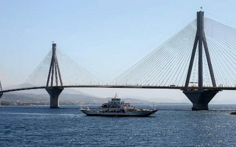 Νεύρα και ξύλο μεταξύ οδηγών στη γέφυρα Ρίου-Αντιρρίου -Ο ένας κατέληξε στο νοσοκομείο