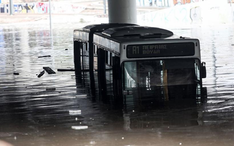 Κακοκαιρία «Μπάλλος« – Η ανακοίνωση της ΟΣΥ για το πλημμυρισμένο λεωφορείο στην Ποσειδώνος
