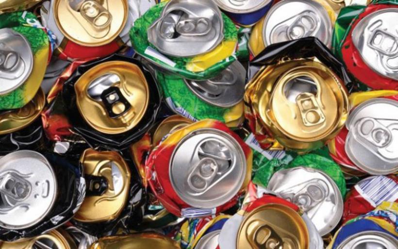Οι βιομηχανίες αναψυκτικών δεσμεύονται στη μείωση της ζάχαρης