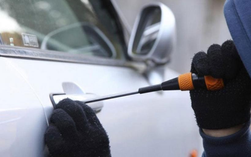 Hitech διαρρήκτες στην Κρήτη - «Σκανάρουν» τα αυτοκίνητα για να ξέρουν τι θα κλέψουν