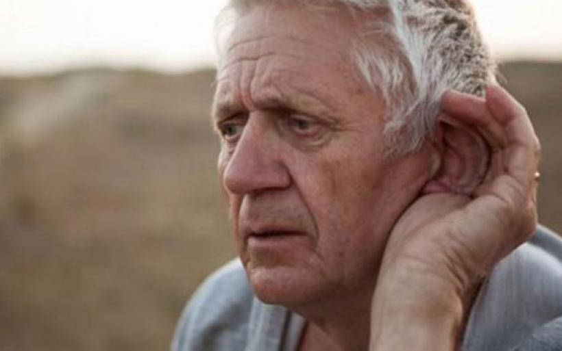 Η εξασθένηση της ακοής αυξάνει τον κίνδυνο εκδήλωσης άνοιας