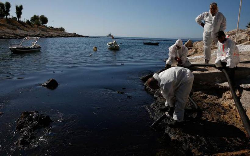 «Πεθαίνει» ο Σαρωνικός - Tεράστια η οικολογική καταστροφή