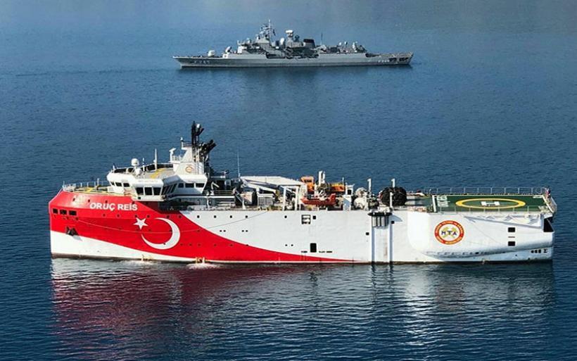 """""""Κολπάκια"""" της Τουρκίας με το Oruc Reis: Επέστρεψε στην Αττάλεια για συντήρηση"""