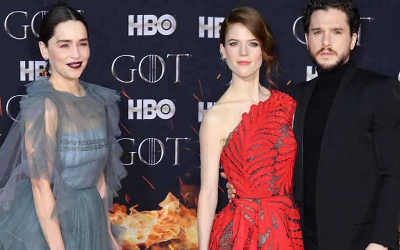 Game of Thrones: Στο κόκκινο χαλί της λαμπερής πρεμιέρας (video)