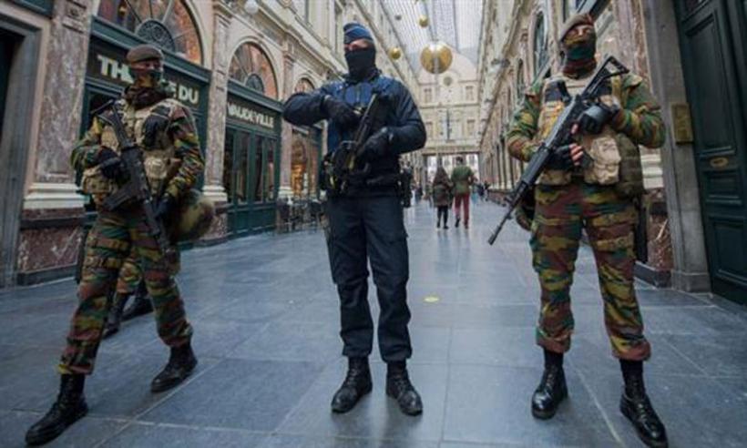 Ανθρωποκυνηγητό σε ολόκληρη την Ευρώπη για τους τρομοκράτες