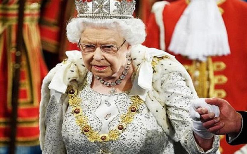 Βρετανία: Η βασίλισσα Ελισάβετ γιόρτασε χωρίς κανονιοβολισμούς τα 94α γενέθλιά της