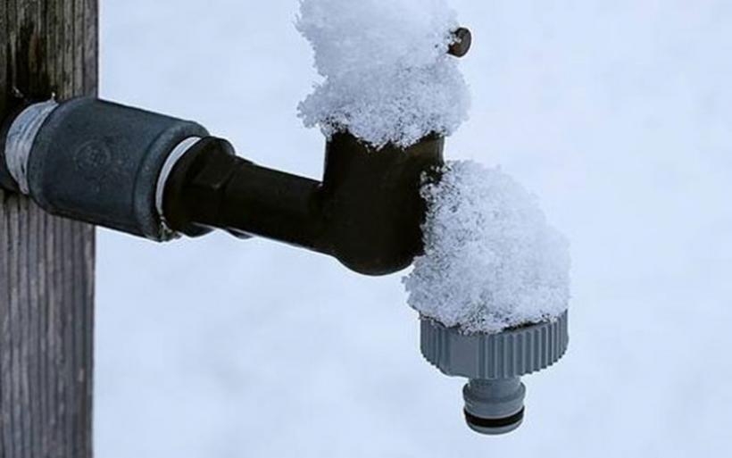 Πως θα προστατεύσετε τις σωληνώσεις του σπιτιού σας από τις χαμηλές θερμοκρασίες