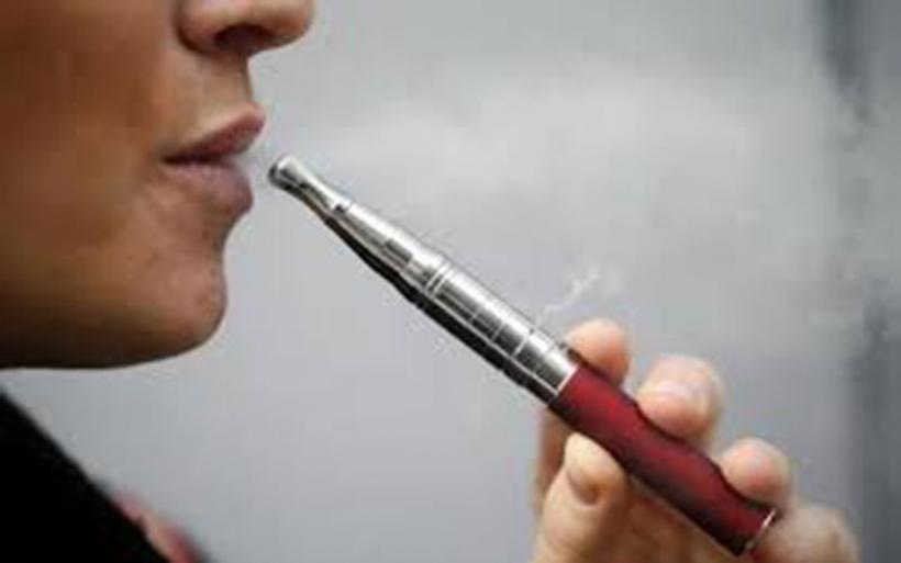Το άτμισμα κατά 95% λιγότερο βλαβερό από το κάπνισμα