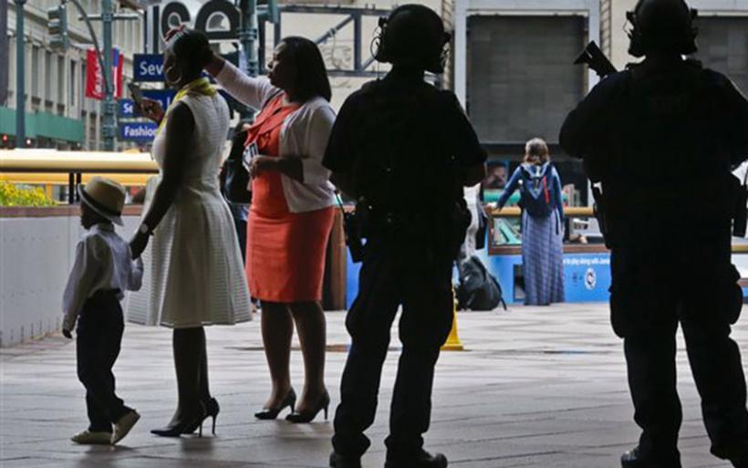 Ισχυρή στρατιωτική παρουσία στους δρόμους της βρετανικής πρωτεύουσας
