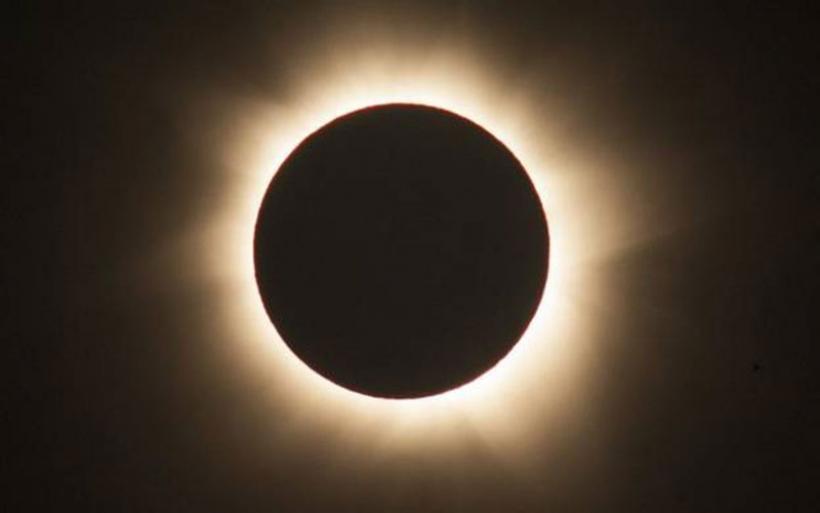 Στον πυρετό της πρώτης ολικής έκλειψης ηλίου οι ΗΠΑ μετά απο έναν αιώνα-Το τέλος του κόσμου και οι θεωρίες συνωμοσίας