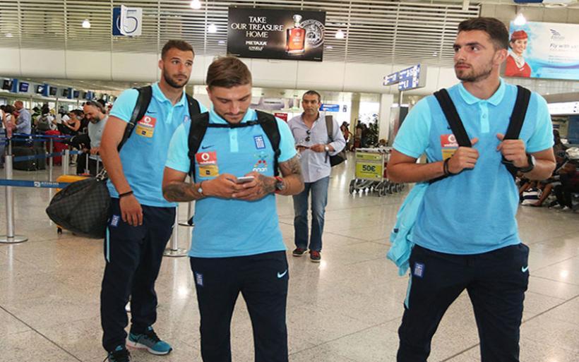 Αναχώρησε η εθνική ομάδα ποδοσφαίρου για τη Βοσνία