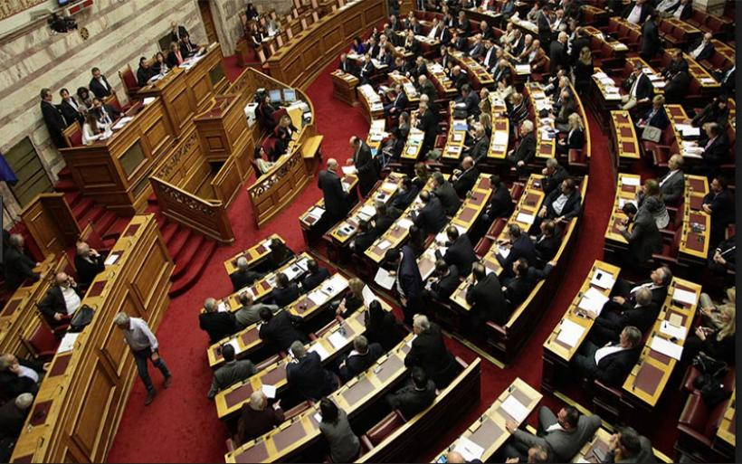 Κανονικά η ψηφοφορία για τα πρόστιμα στο λαθρεμπόριο - Kόντρα στη Βουλη