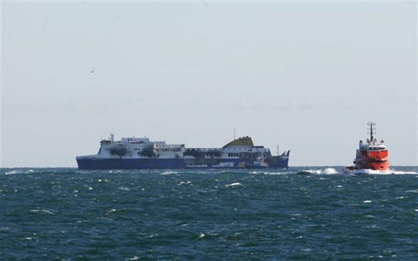 Κατασβέστηκε η φωτιά σε φορτηγό οχηματαγωγό πλοίο βορειοδυτικά της Ρόδου