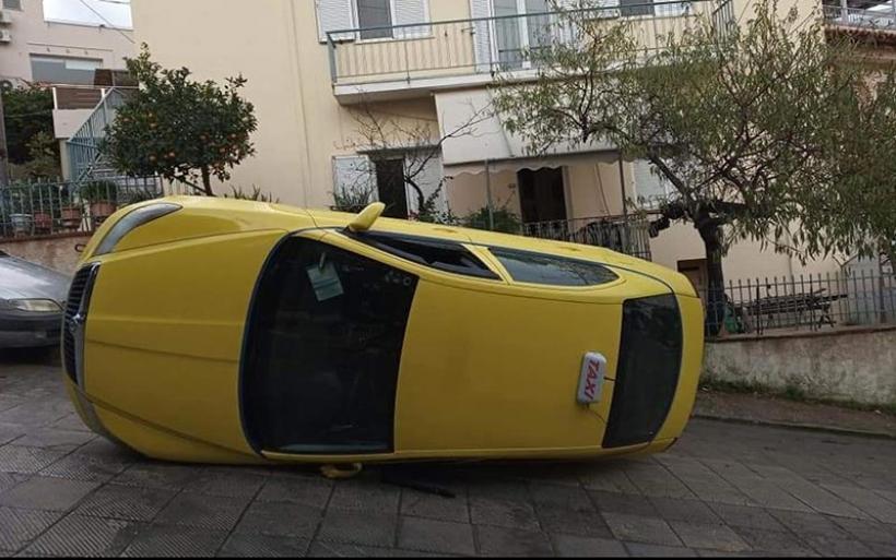 Ταξί αναποδογύρισε στον Υμηττό