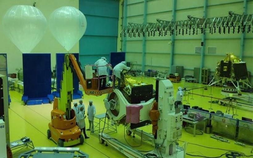 Η Ινδία ετοιμάζεται να εκτοξεύσει για τη Σελήνη τον Ιούλιο το σκάφος Chandrayaan-2