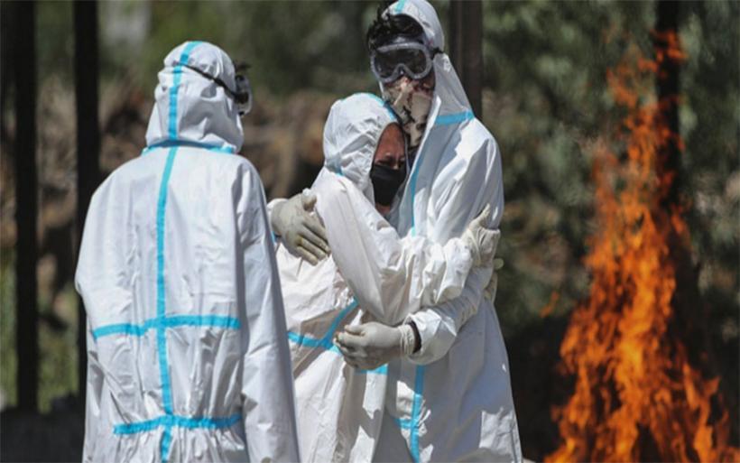 Ελληνίδα γιατρός στην Ινδία: Εκτός ελέγχου η πανδημία -Εάν γίνει διασπορά στην επαρχία, η κατάσταση θα είναι ανεξέλεγκτη