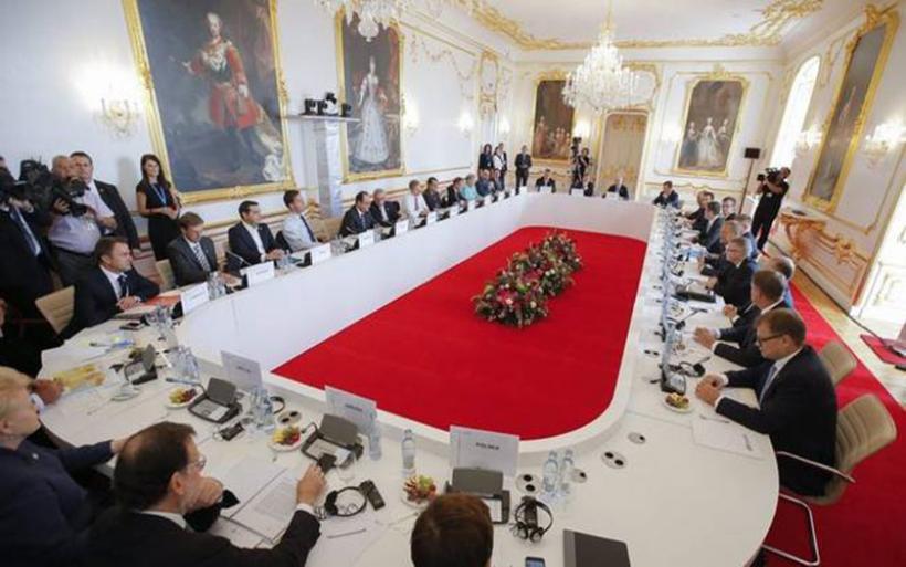 Οι 27 της ΕΕ συνεδριάζουν για το Brexit υπογραμμίζοντας την ενότητά τους
