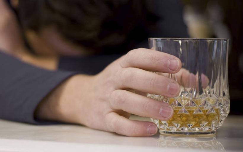 Αυξήθηκε η χρήση αλκοόλ λόγω οικονομικής κρίσης-Επιβαρύνει τα χαμηλότερα κοινωνικά στρώματα
