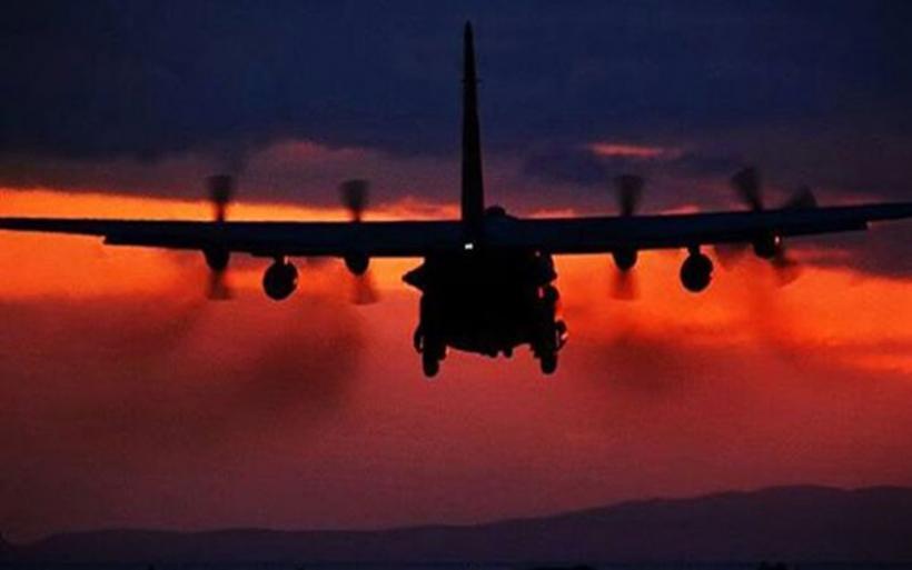 Νυχτερινή άσκηση ιαπωνικών & αμερικανικών μαχητικών στη Σινική θάλασσα