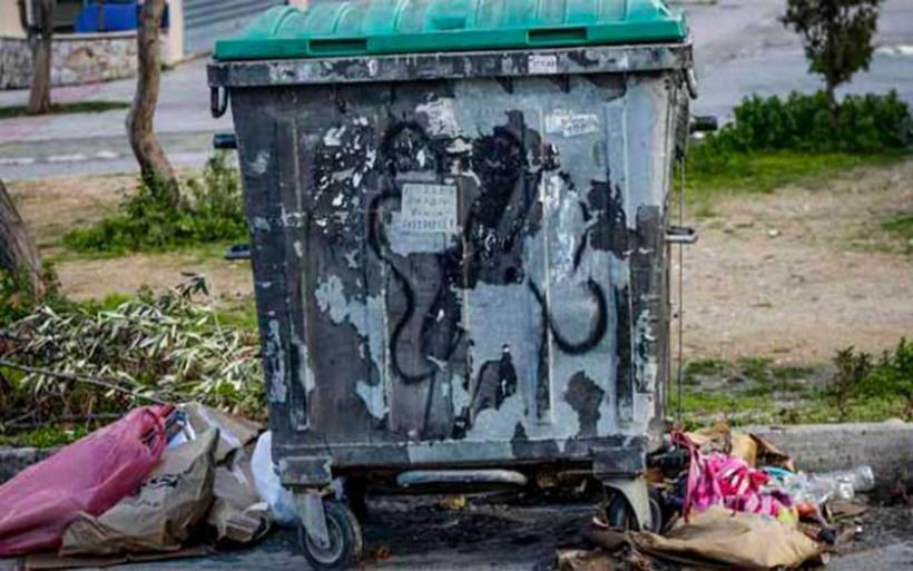Πετρούπολη: Άνδρας πέταξε το βρέφος στον κάδο απορριμμάτων