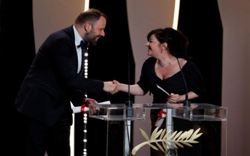 Μεγάλη επιτυχία Λάνθιμου! Πήρε το βραβείο Σεναρίου στις Κάννες