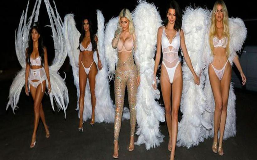 Halloween: Οι αδελφές Kardashians μεταμορφώθηκαν σε αγγέλους της Victoria's Secret