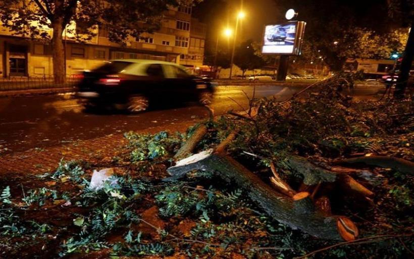 """Καταιγίδα Λέσλι στην Πορτογαλία: """"Η πόλη μοιάζει με εμπόλεμη ζώνη"""""""