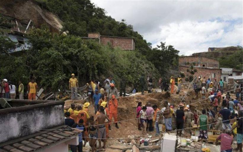 Βραζιλία: Στους 14 οι νεκροί από κατολίσθηση βράχων στο Νιτερόι