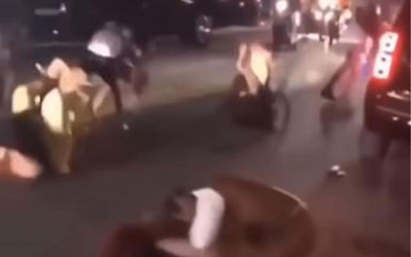 Άγριος καβγάς για γυναίκες με μπικίνι στο Μαϊάμι(βίντεο)