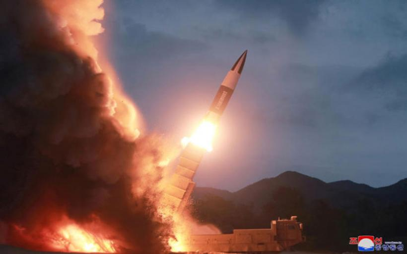 Βόρεια Κορέα: Νέα βαλλιστική δοκιμή! Εκτόξευσαν πυραύλους από… υποβρύχιο!