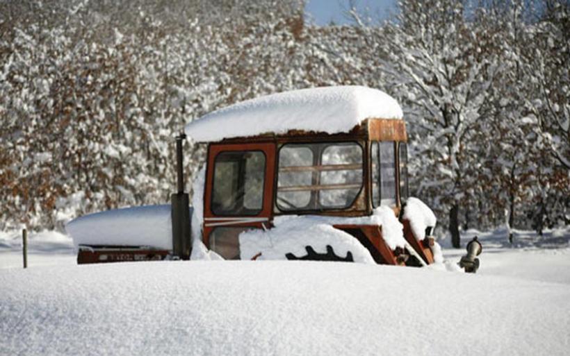 Εύβοια: Δύσκολες ώρες για τους κατοίκους, περιοχές χωρίς ρεύμα