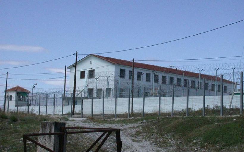 Πειθαρχική ποινή σε νεαρό κρατούμενο στην Κασσαβέτεια