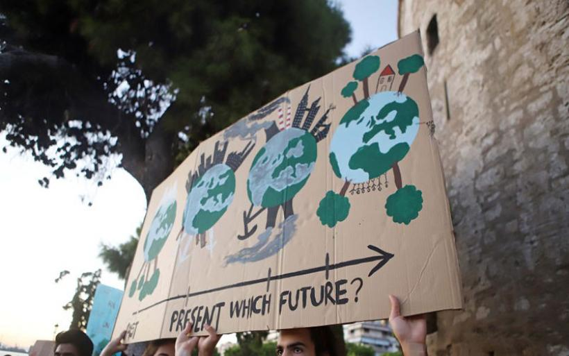 Οι νέοι στην Ευρώπη ανησυχούν περισσότεροι για την κλιματική αλλαγή, παρά για τον κορωνοϊό