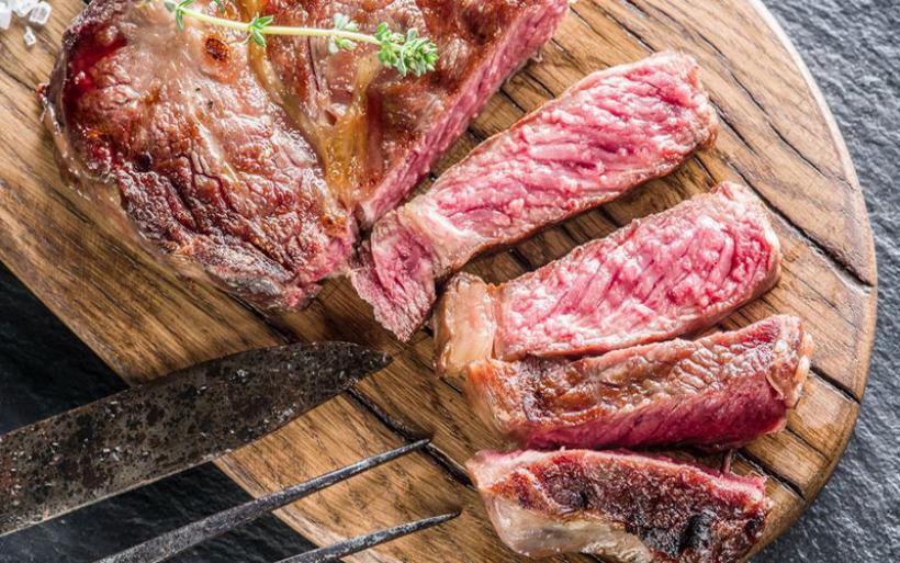 Φωτιά στο κρέας βάζουν πρώτες ύλες και ενέργεια
