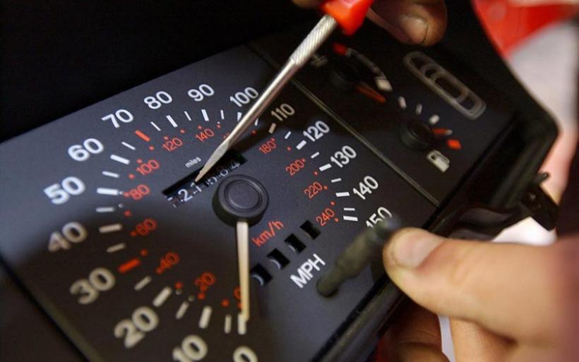 Υποχρεωτική η φωτογράφιση των χλμ. στα κοντέρ των οχημάτων από τα ΚΤΕΟ