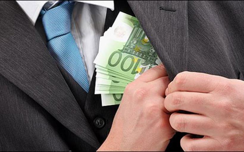 Με προσημειωμένα χαρτονομίσματα πιάστηκαν εφοριακοί στη Ρόδο