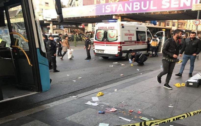 Τρόμος στην Κωνσταντινούπολη: Μυστήριο με το λεωφορείο που έπεσε σε στάση - Ένας νεκρός, 15 τραυματίες