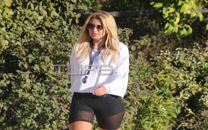 Κωνσταντίνα Σπυροπούλου: Πρωινή βόλτα στην Γλυφάδα με… look που τράβηξε τα βλέμματα!