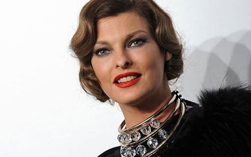 Linda Evangelista: Το θρυλικό supermodel των 90's έγινε γιαγιά στα 52 της!