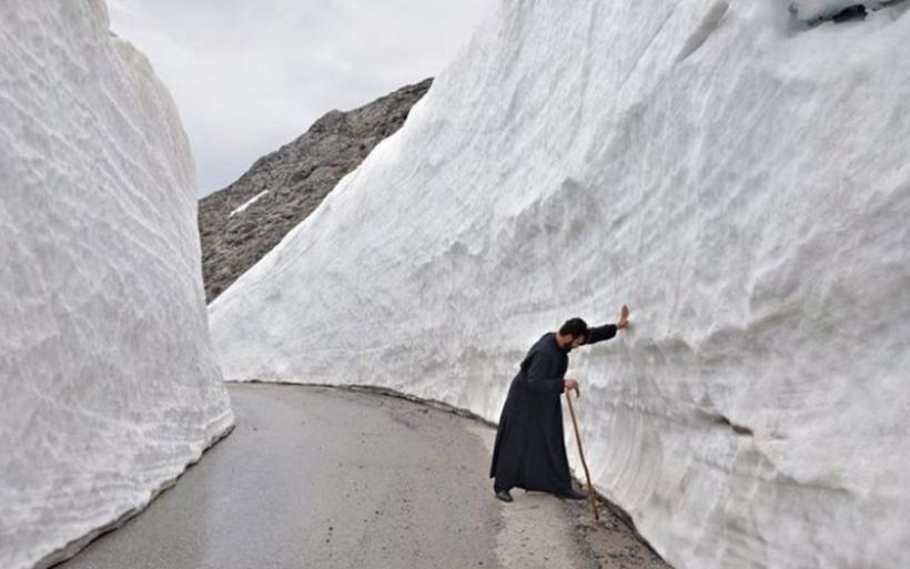 Βουνά χιονιού στον Ψηλορείτη -Απίστευτες εικόνες τέλη Απριλίου