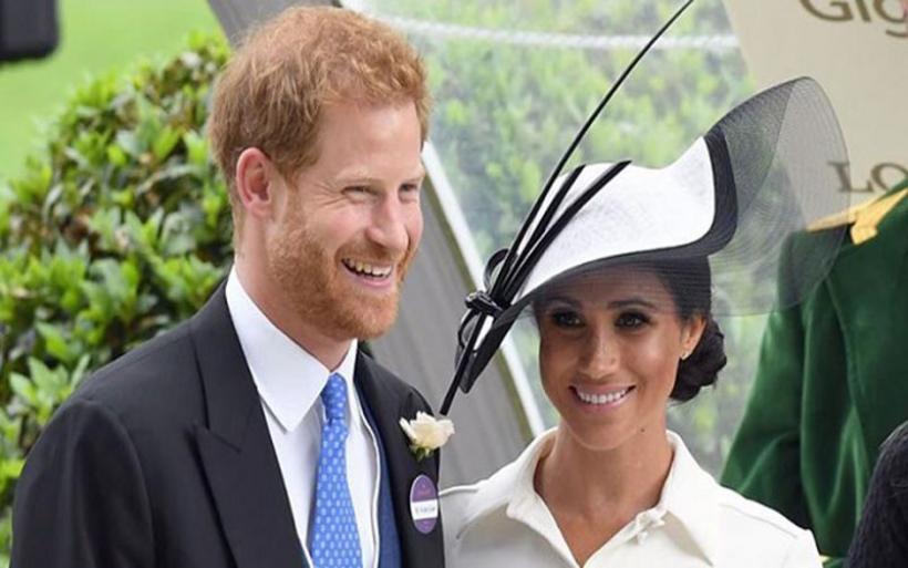 Βόμβα στο Μπάκιγχαμ: Ο πρίγκιπας Χάρι και η Μέγκαν Μαρκλ αποσύρονται από τα βασιλικά τους καθήκοντα