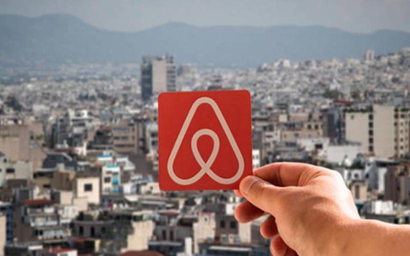 Airbnb: Τέλος οι μισθώσεις σε πολυκατοικίες-Προβλέπονται πρόστιμα