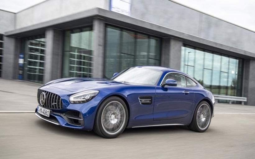 Ακόμα πιο ισχυρή η νέα Mercedes-AMG GT