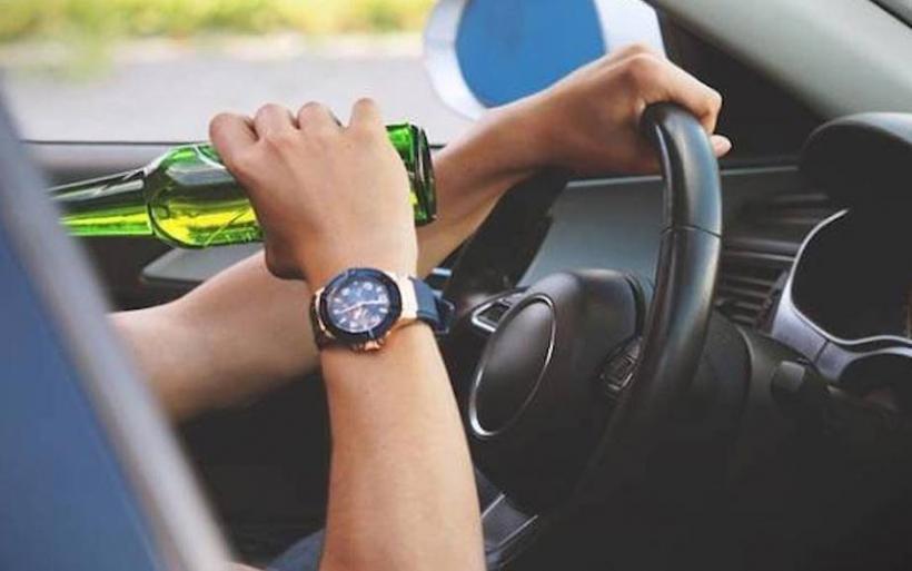 Βόλος: Υλικές ζημιές σε τέσσερα Ι.Χ. προκάλεσε μεθυσμένος