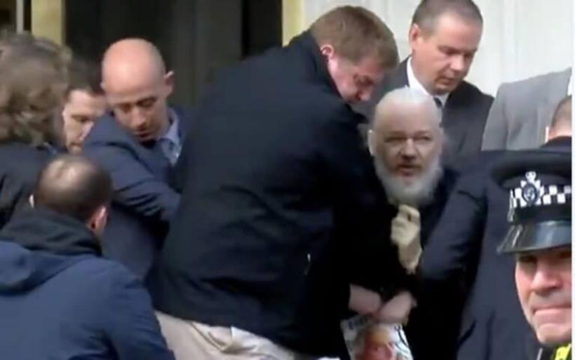 Συνελήφθη ο Τζούλιαν Ασάνζ!