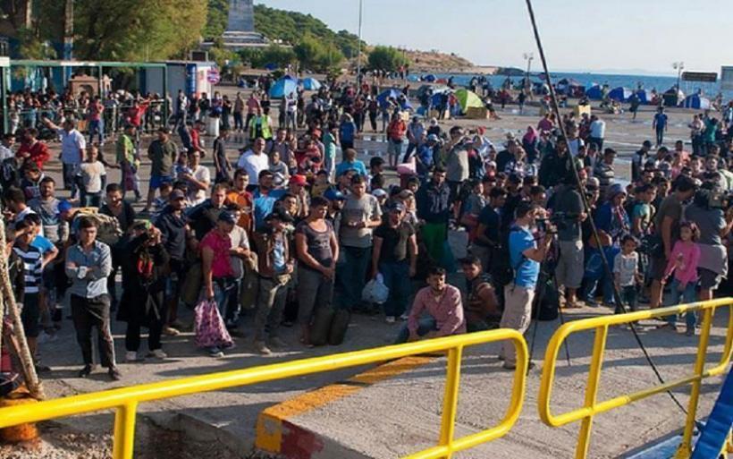 Λέσβος: Επιχείρηση μεταφοράς 1.500 προσφύγων προς Θεσσαλονίκη